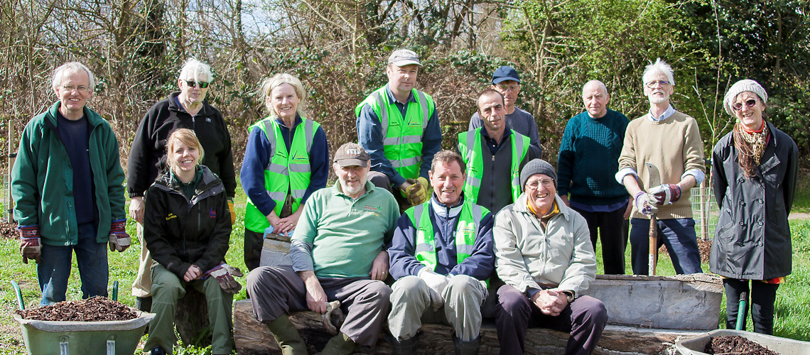 Nature Conservation Volunteers at River Roding